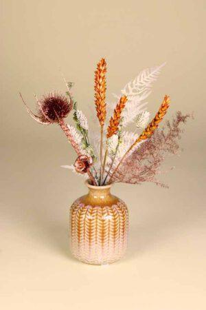 klein vaasje droogbloemen koper