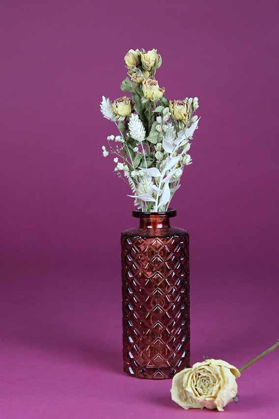 klein vaasje droogbloemen mini rose
