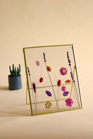 lijst met droogbloemen kleurrijk