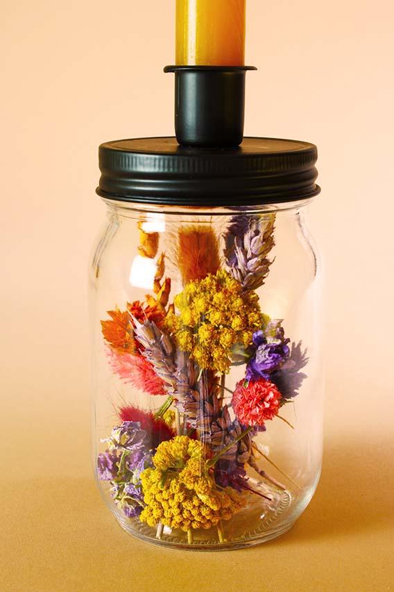 droogbloemen kandelaar close up