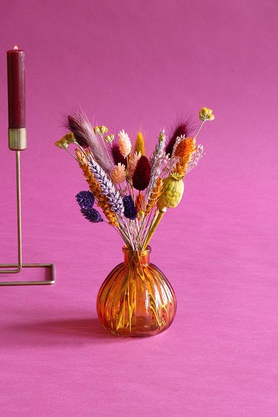 klein vaasje droogbloemen sunset